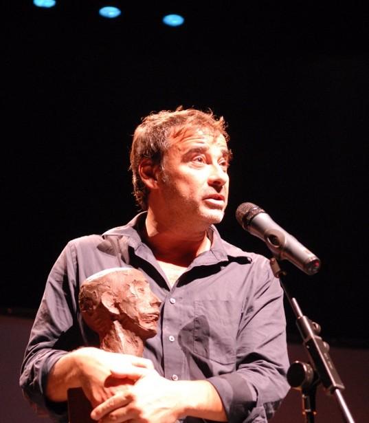 Eduard Fernández Amb El Premi D'homenatge